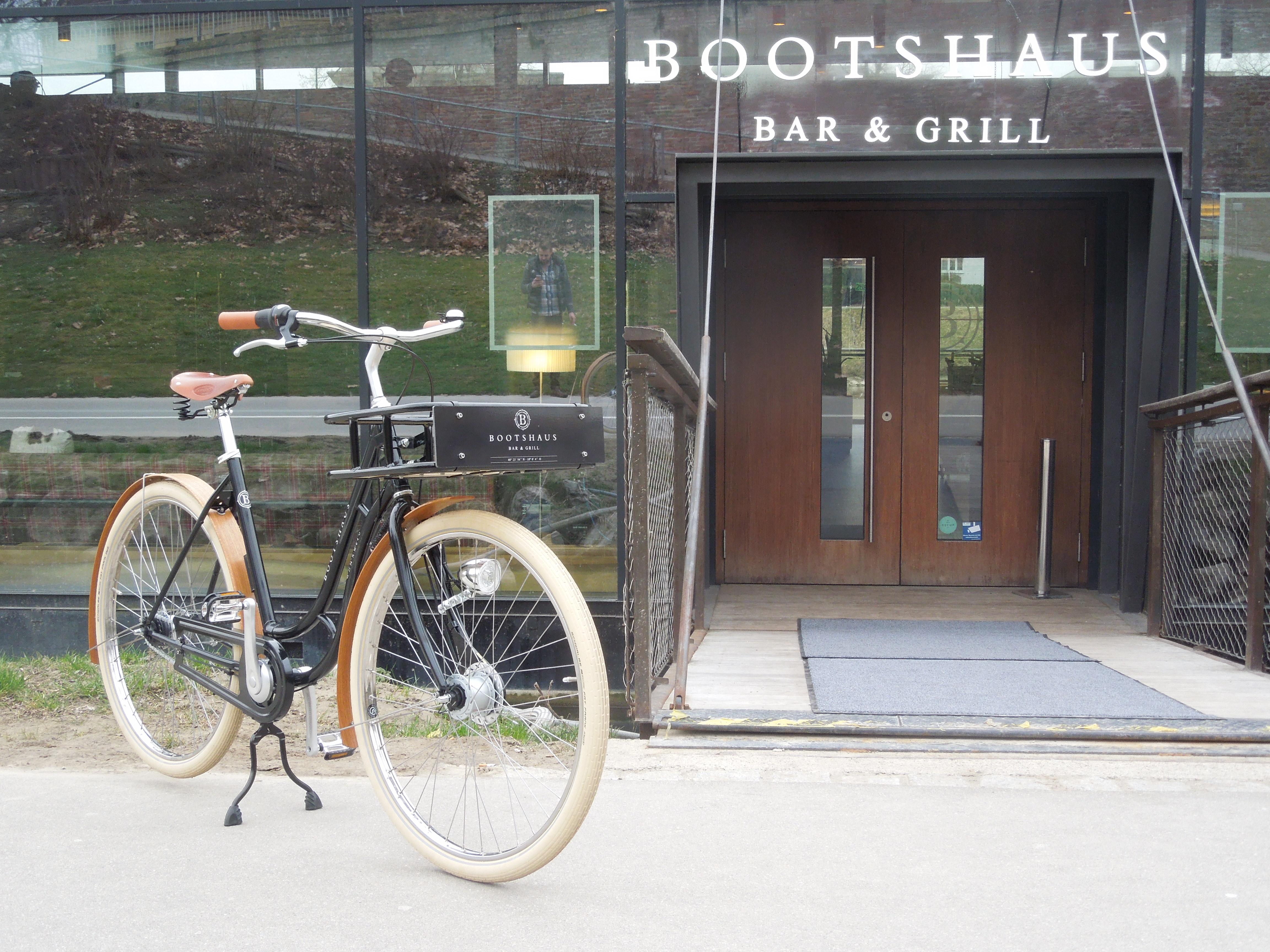 PEDALEUR - Bootshaus Bar & Grill